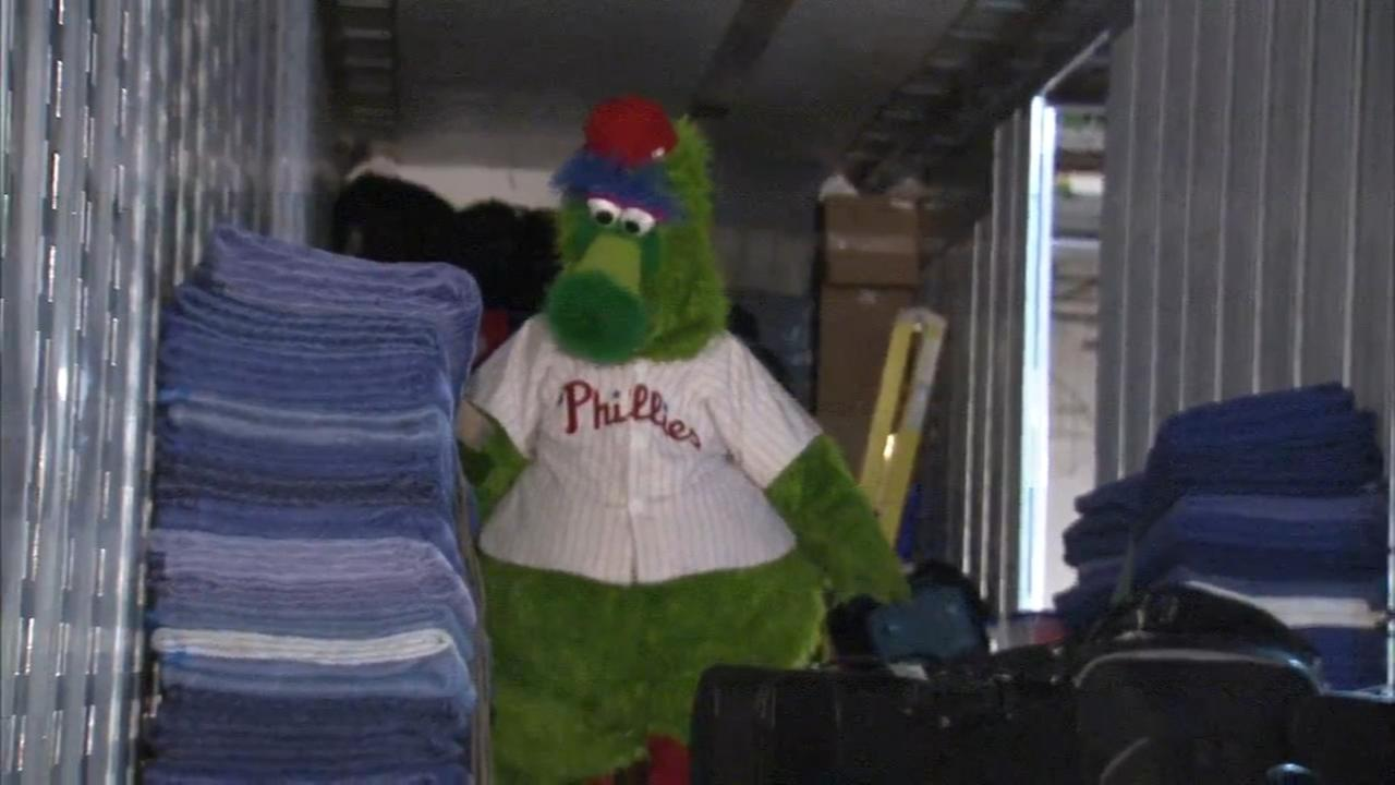 Phillies pack up truck for trip to Clearwater
