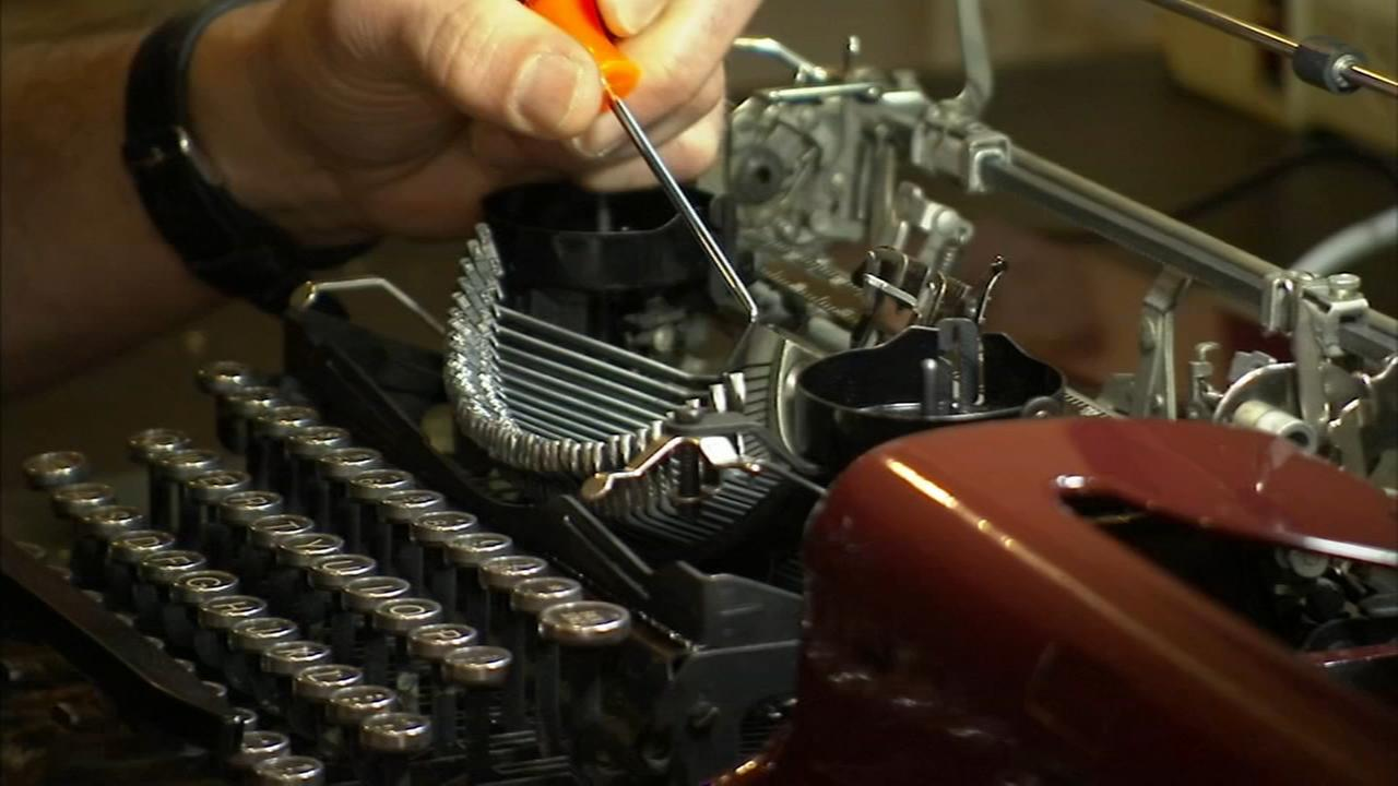 Art of Aging: Senior brings back the typewriter