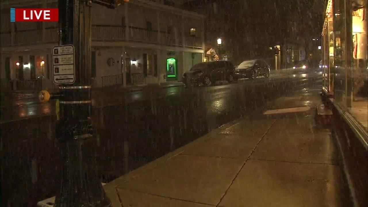 Snow steadily falls in Doylestown
