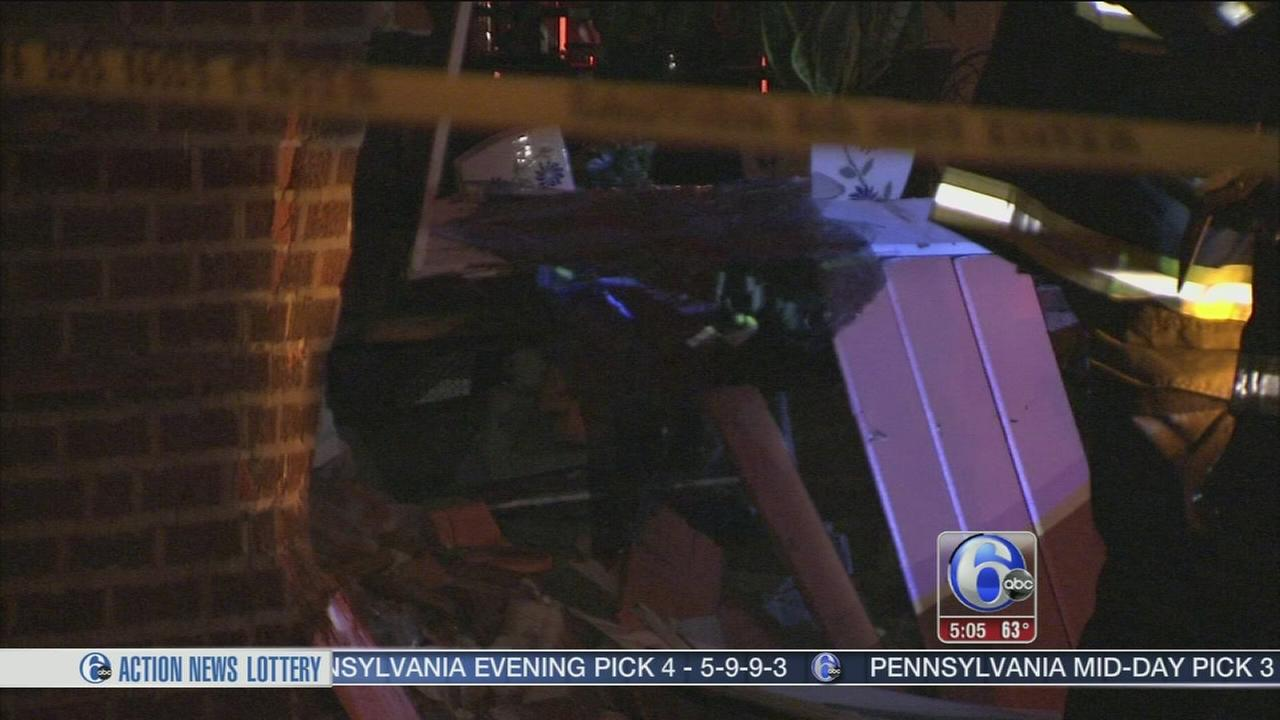 VIDEO: Driver crashes into hair salon in Olney, 2 injured