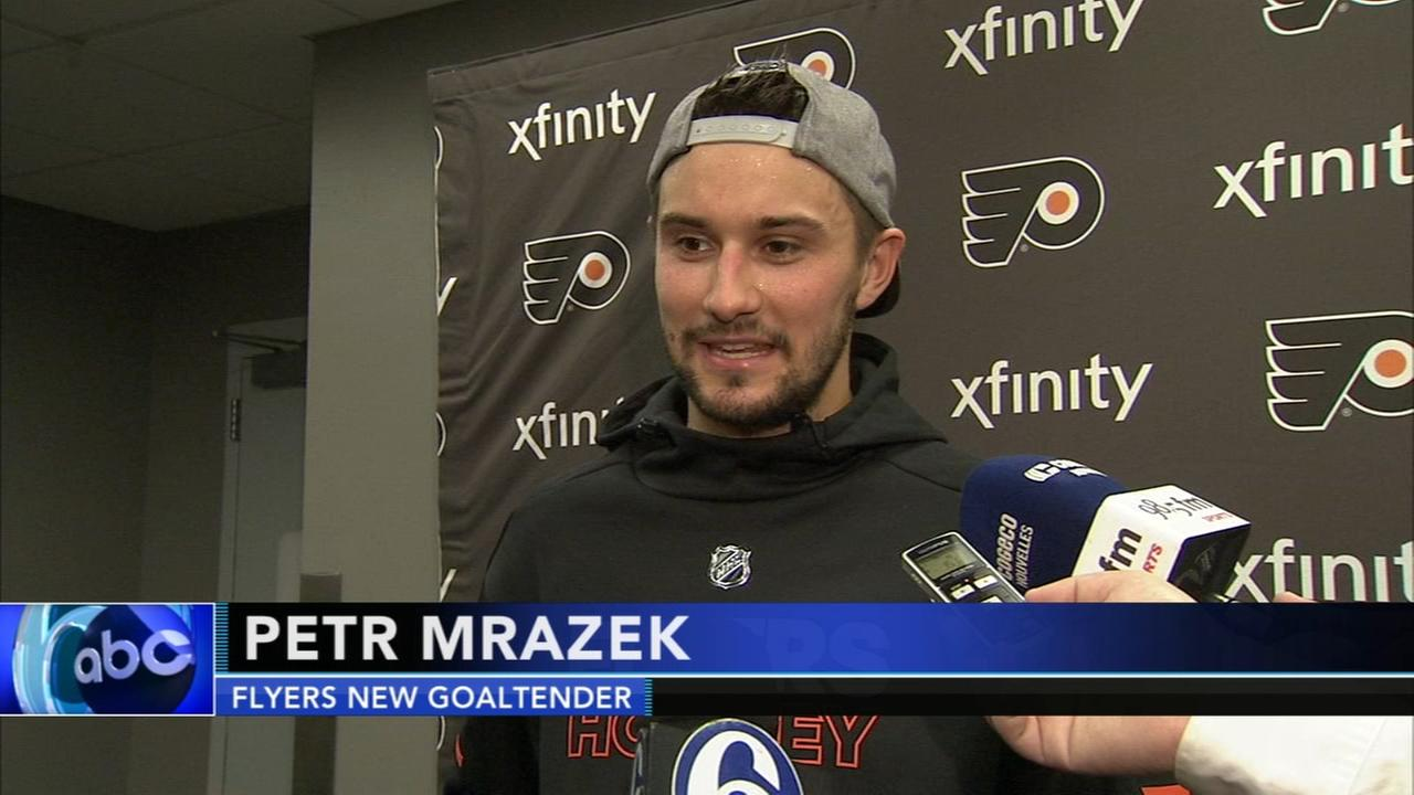 Flyers get a new goalie