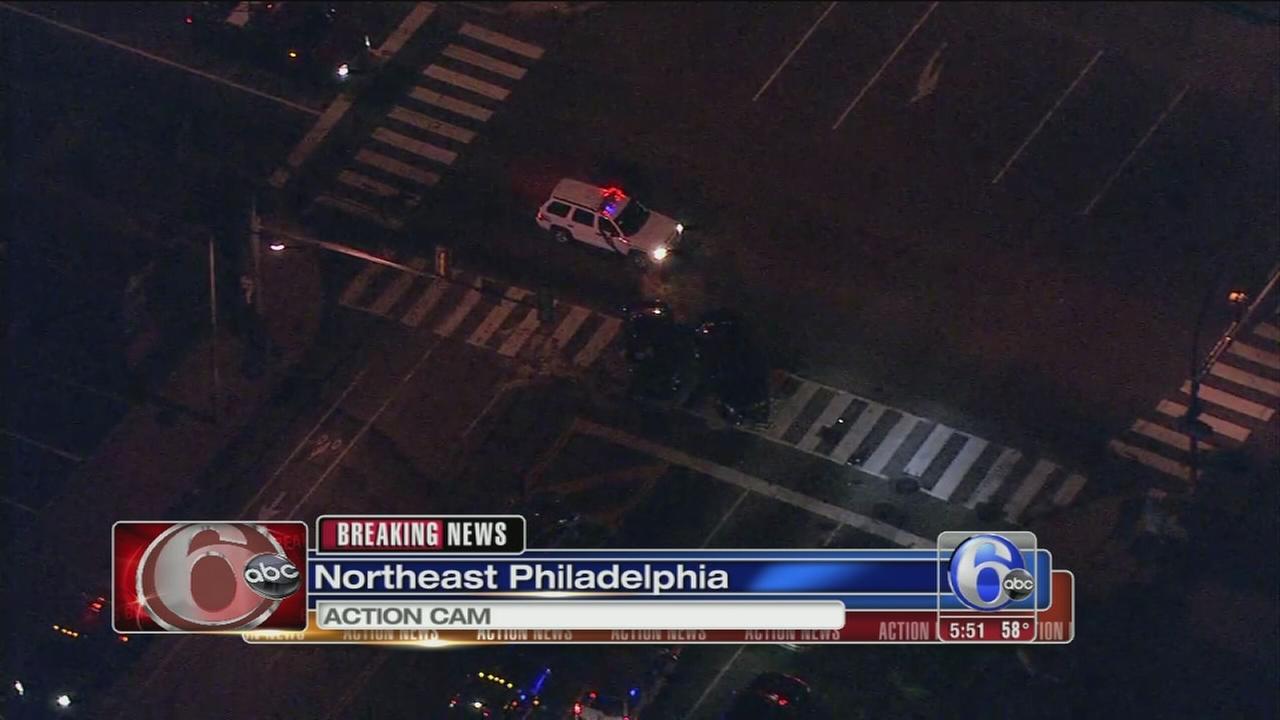 VIDEO: 3 hurt in NE Phila. crash