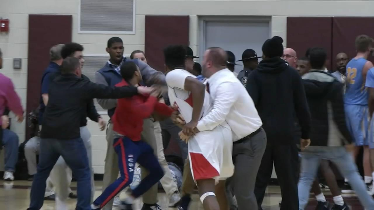 Fight breaks out at high school basketball game