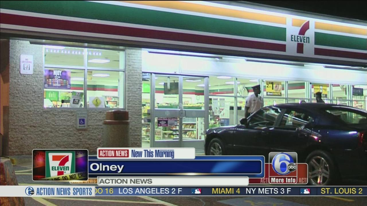 VIDEO: Gunman sought in 7-Eleven attempted robbery in Olney