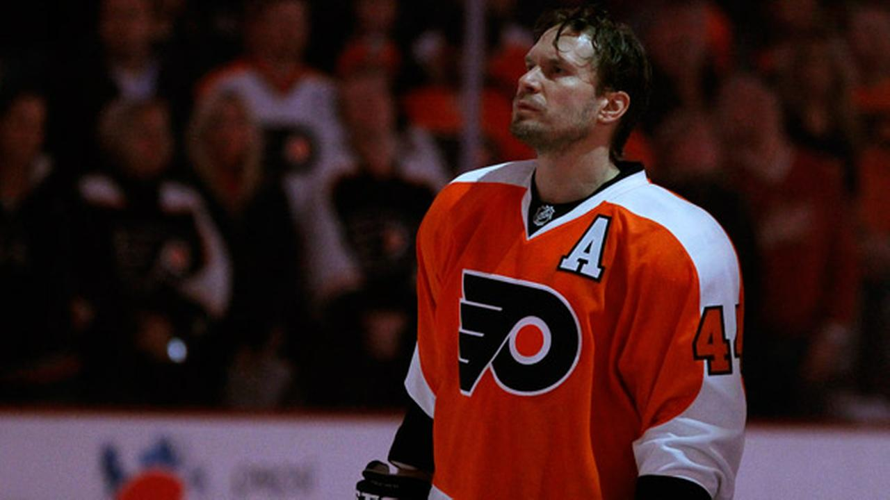 Philadelphia Flyers Kimmo Timonen in action during an NHL hockey game against the Los Angeles Kings, Monday, March 24, 2014, in Philadelphia. (AP Photo/Matt Slocum)