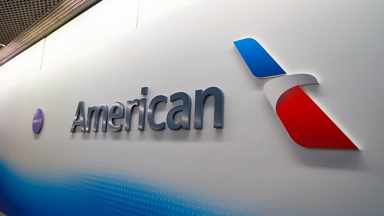 American Airlines cancels Philly service for rest of Friday