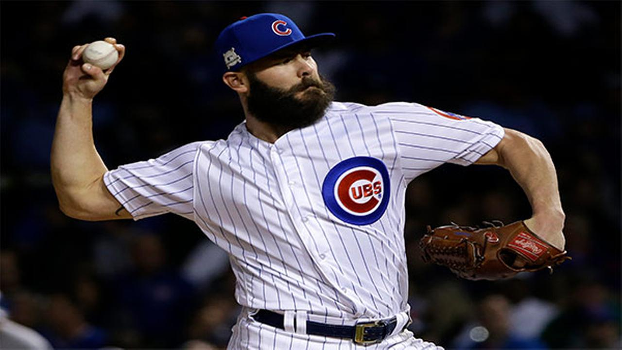 Phillies sign Arrieta to multi-year contract
