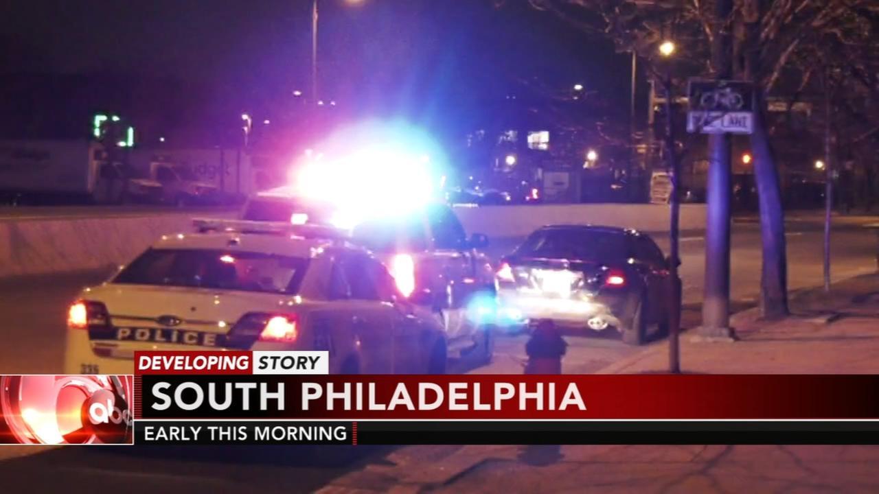 2 men flee South Philadelphia traffic stop