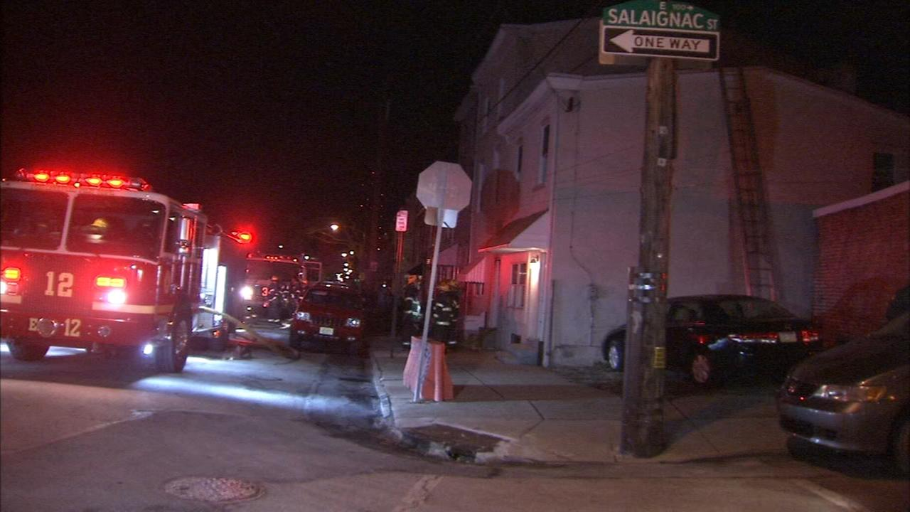 Firefighters battle blaze in Manayunk