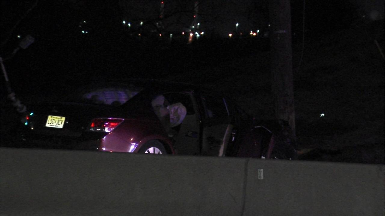 Driver loses control, hits pole in Camden