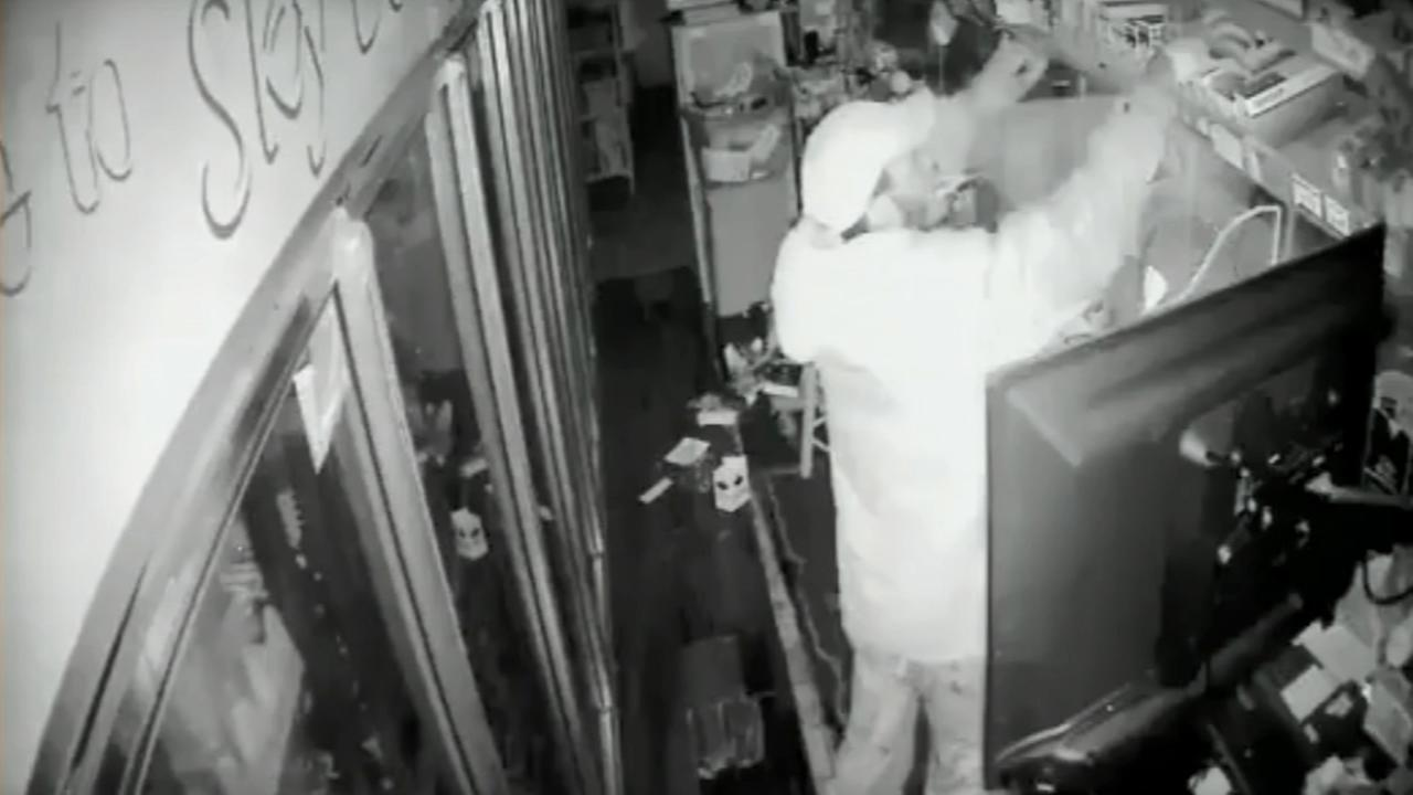 Burglar enters through vent, steals $775 in cigarettes