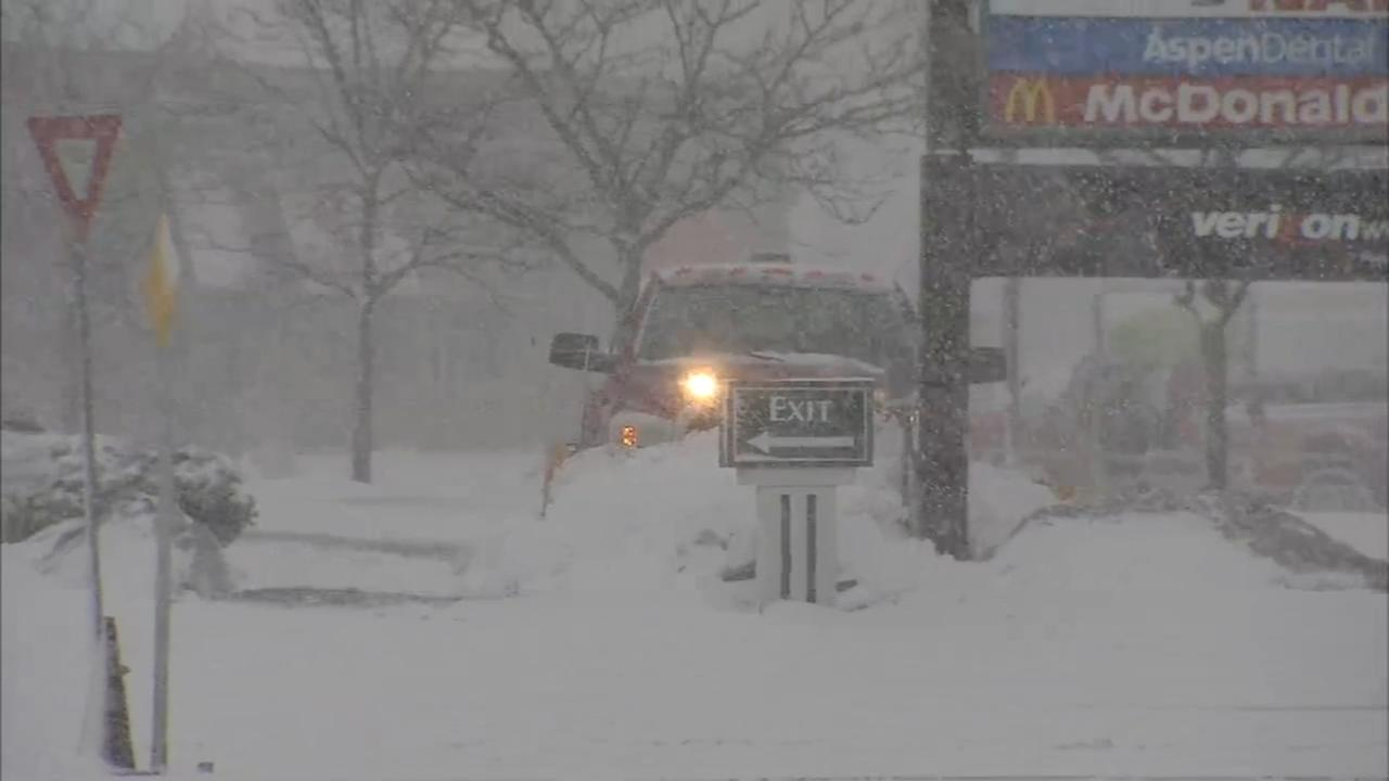 Region copes with heavy snow from spring noreaster