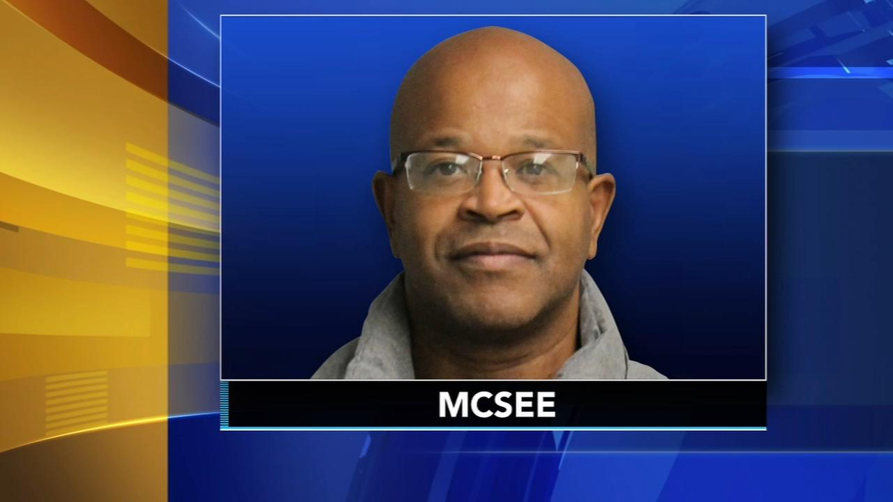 Fmr. teacher pleads guilty to molesting student