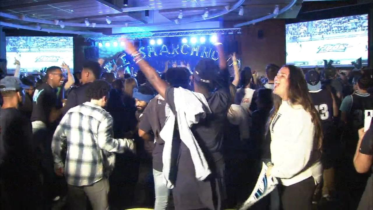 Students anticipate Villanova win at campus watch party