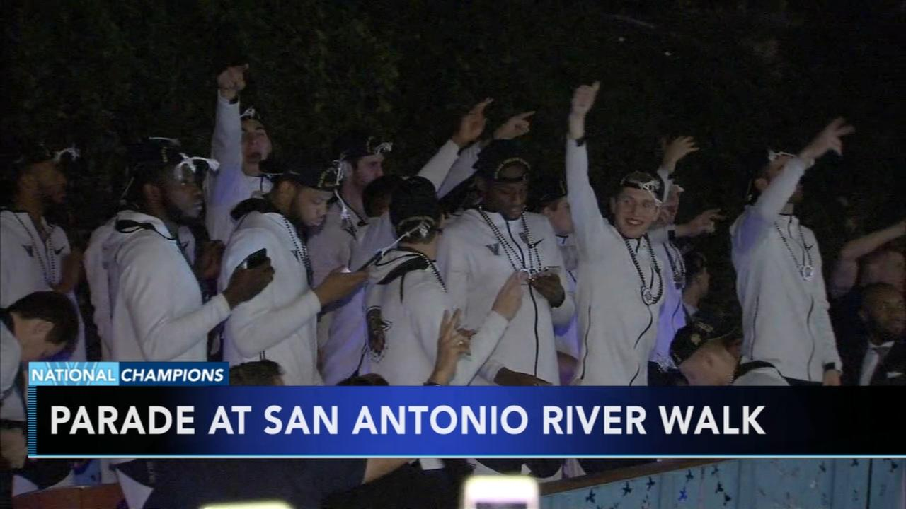 Villanova players at San Antonio River Walk parade