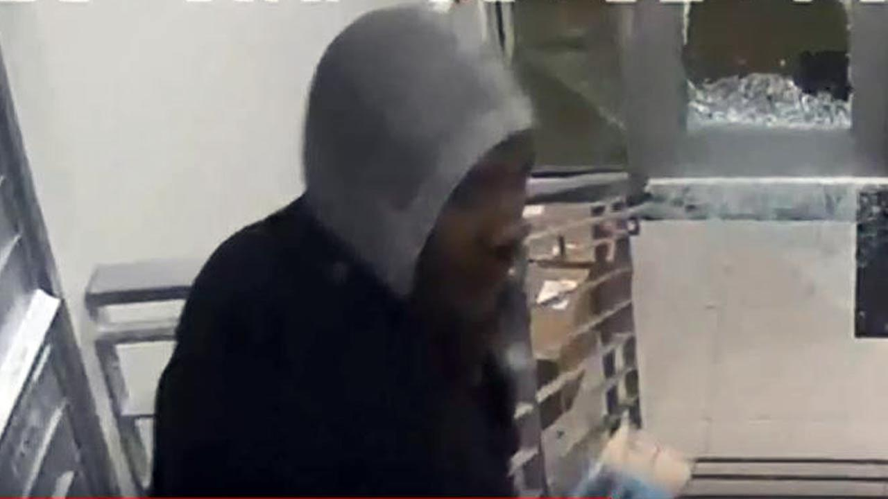 Serial package thief caught on camera in North Philadelphia