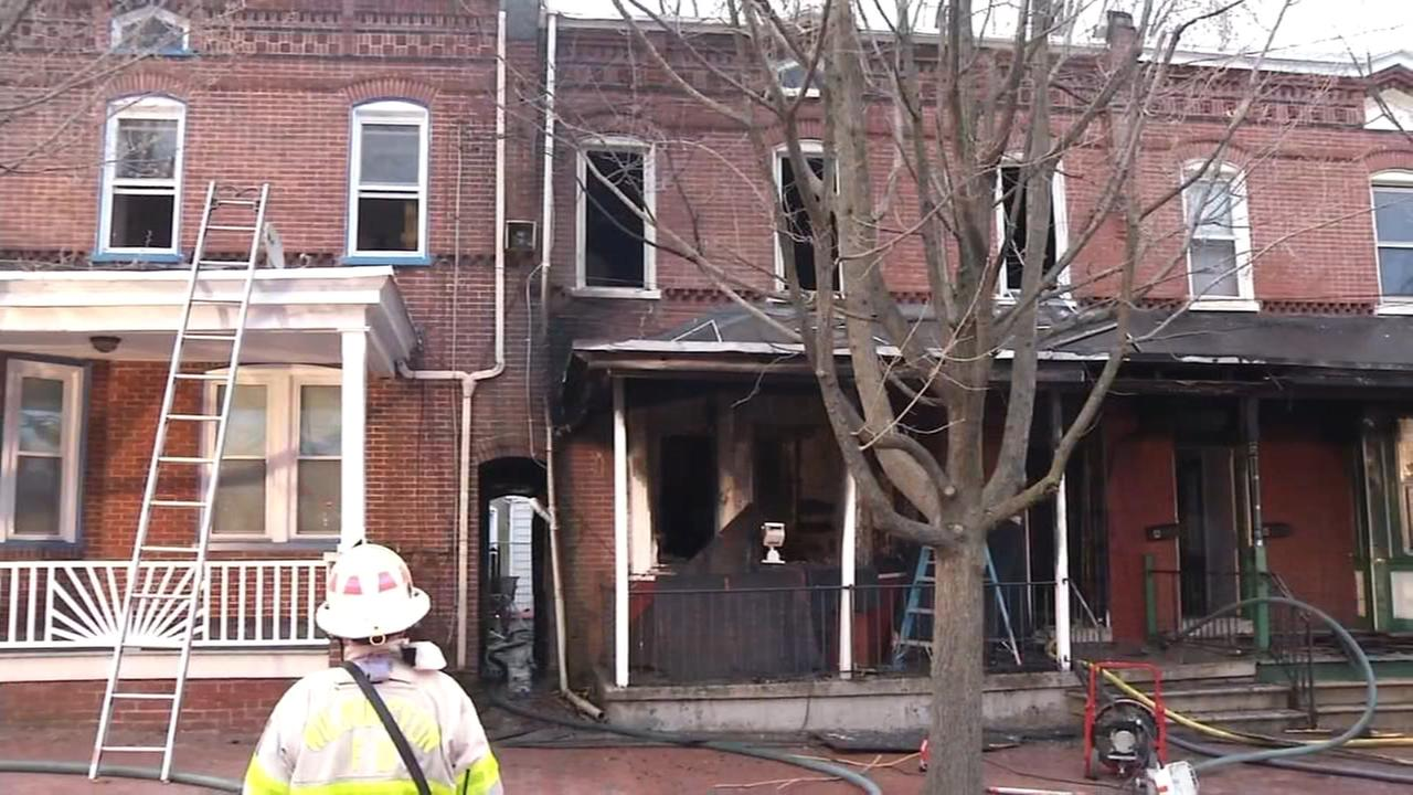RAW VIDEO: Fire damages row house in Wilmington
