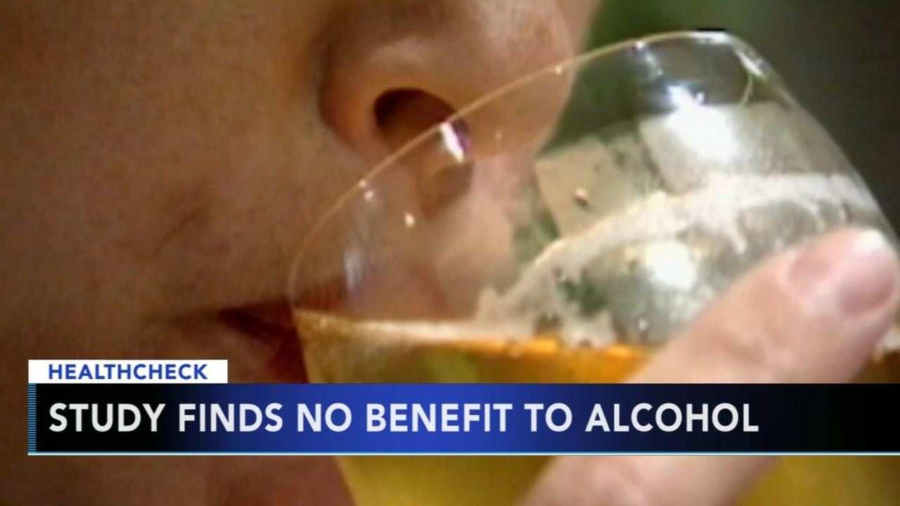 Study: Moderate drinking of no health benefit