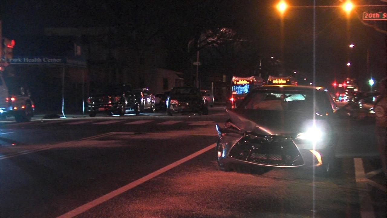 6 hurt in crash on Hunting Park Ave. in Philadelphia