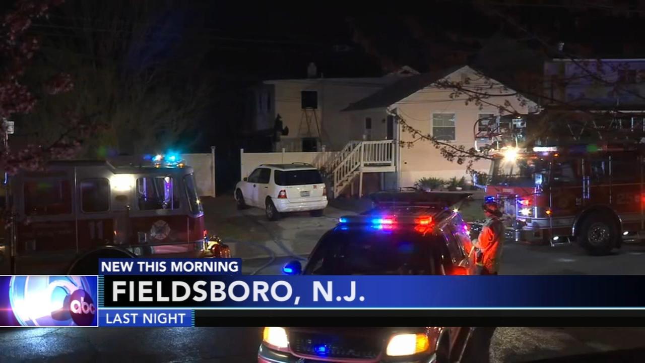 2 injured in Fieldsboro fire