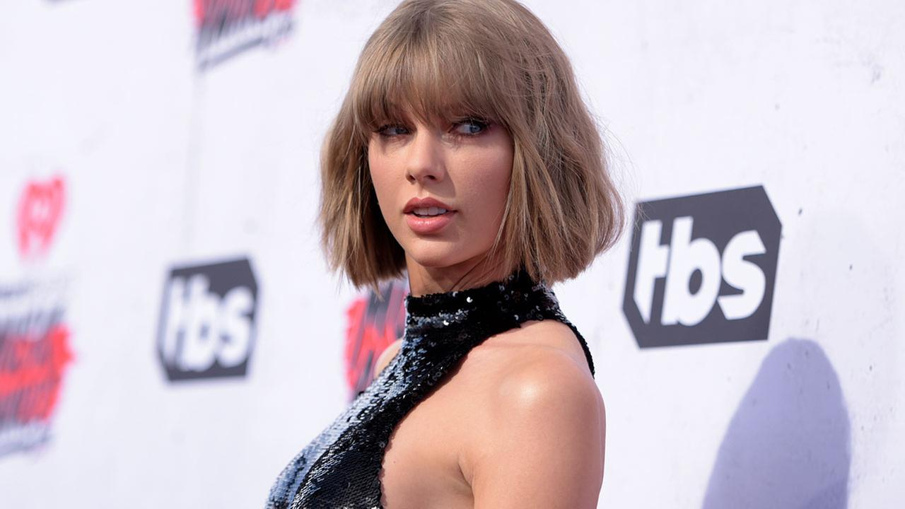 Police: Stalker broke into Taylor Swifts NYC home, took nap