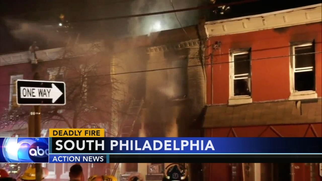 2 people killed in South Philadelphia house fire