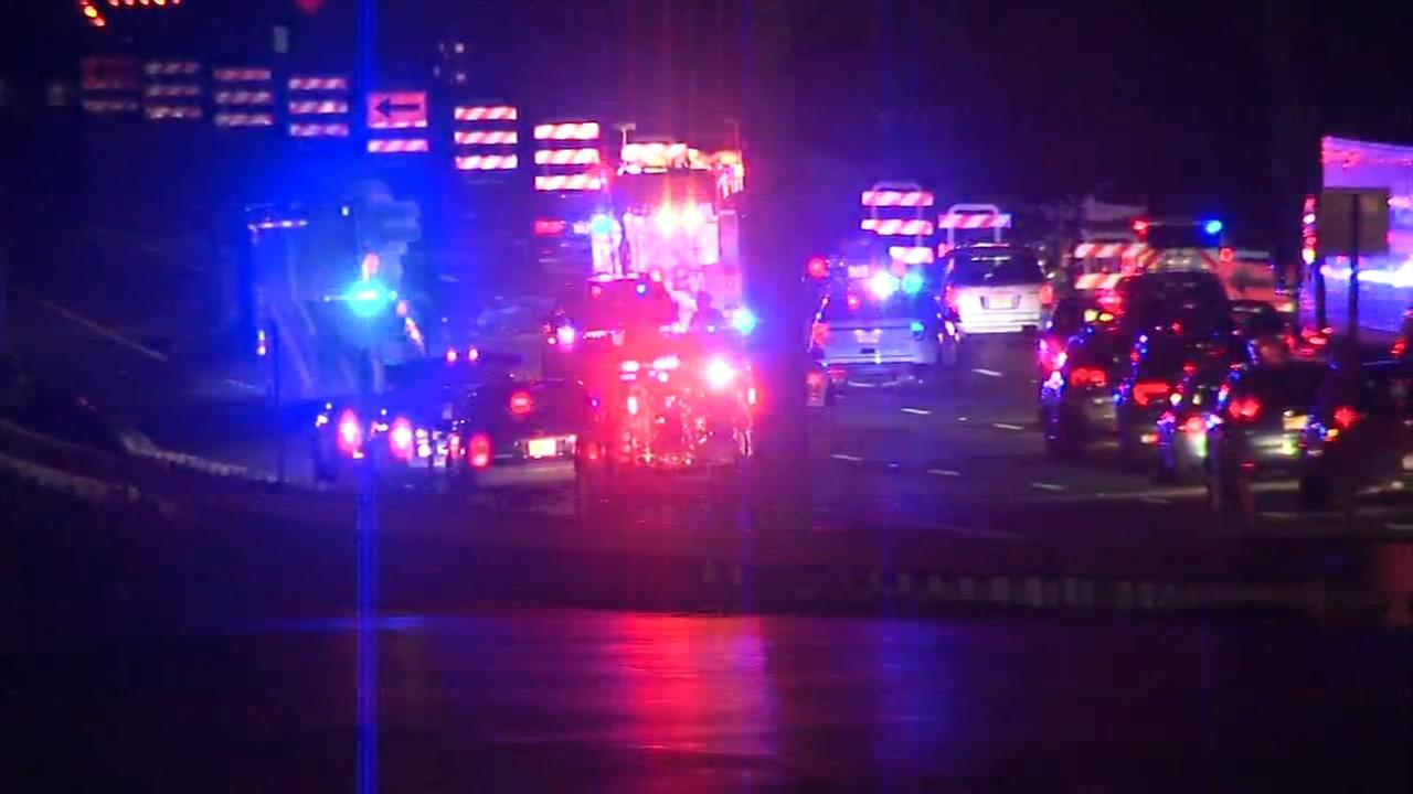 Fatal crash kills 2 on Route 42 northbound in Bellmawr