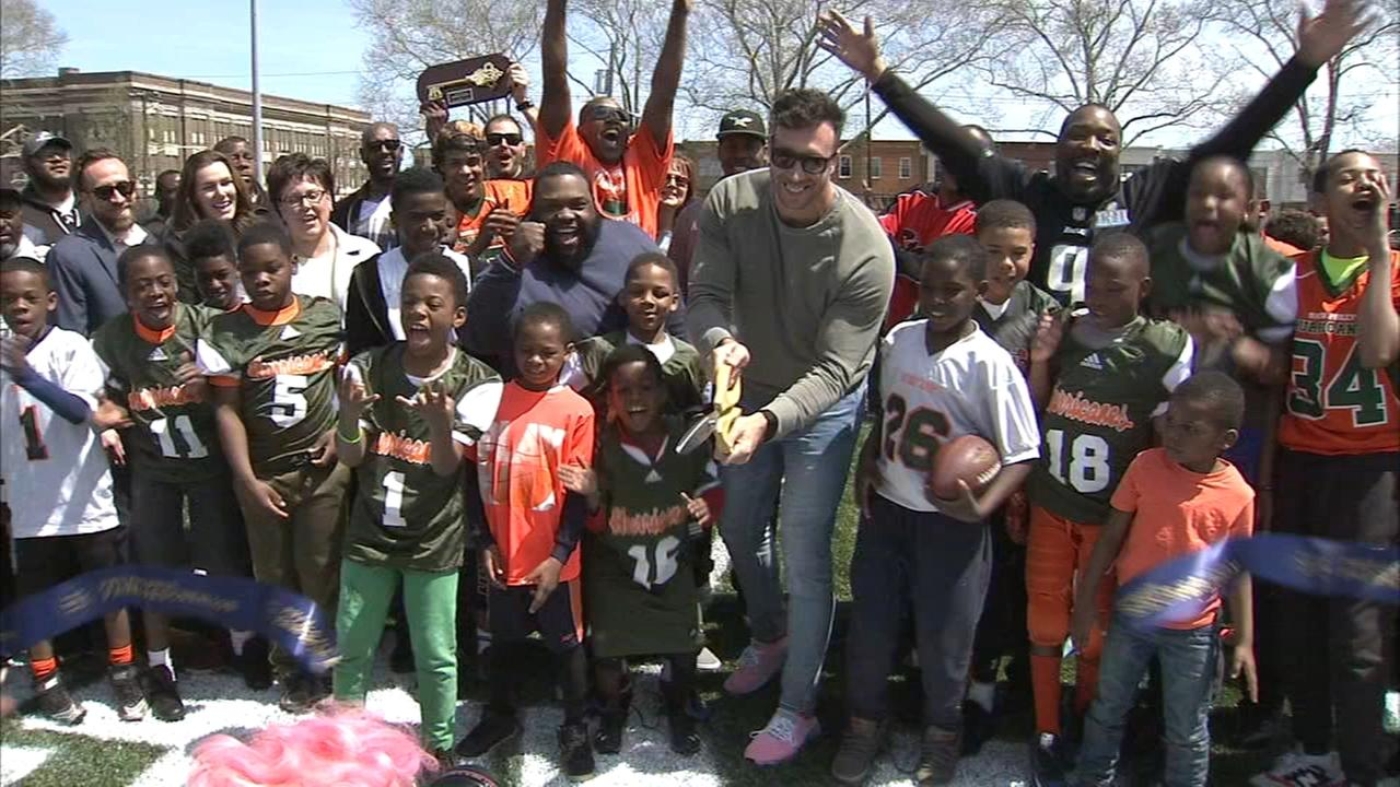 Kelce, Barwin unveil renovated Smith Playground