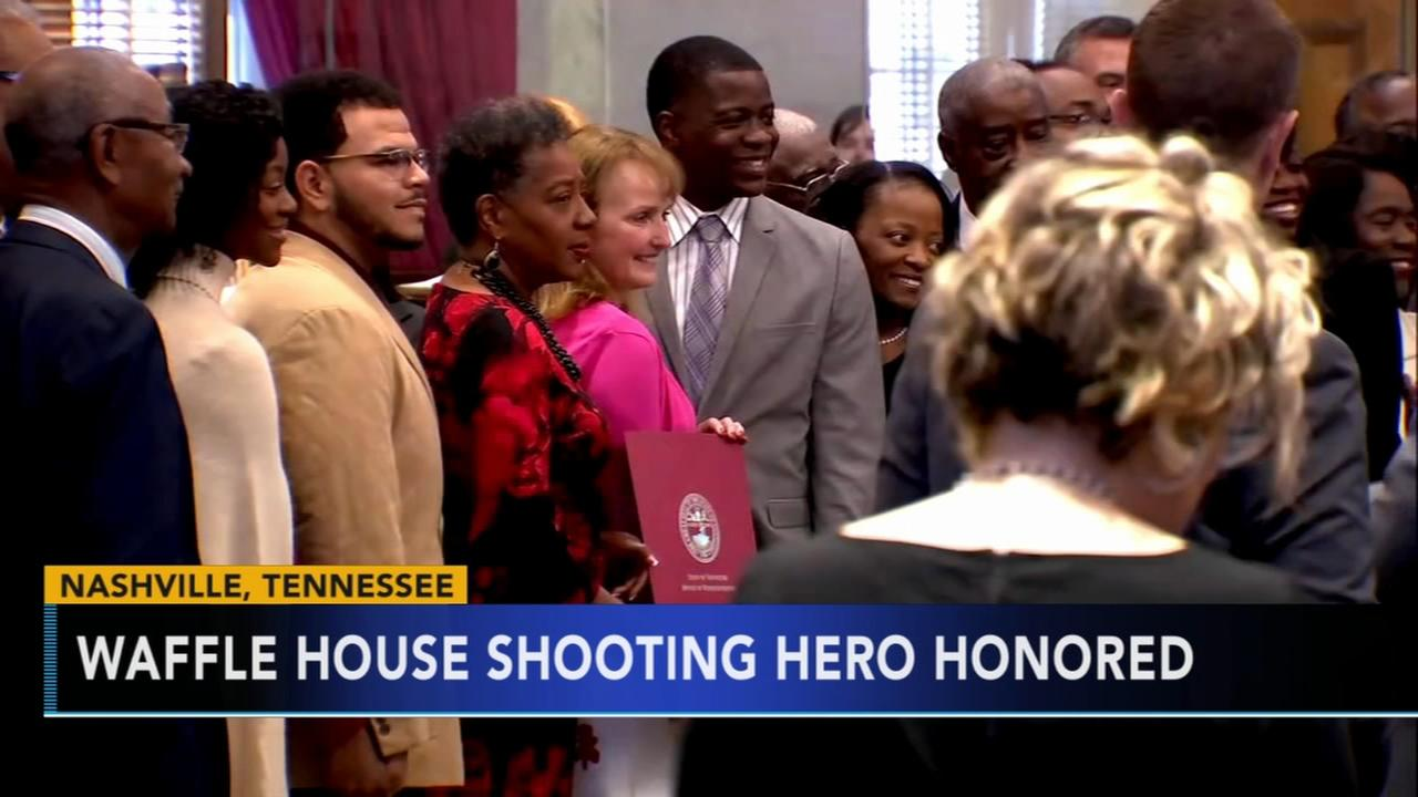 Lawmakers honor man hailed as hero in Waffle House attack