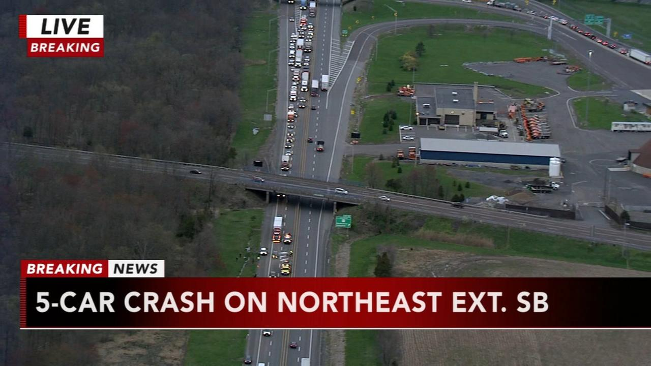 5 vehicles involved in Northeast Extension crash