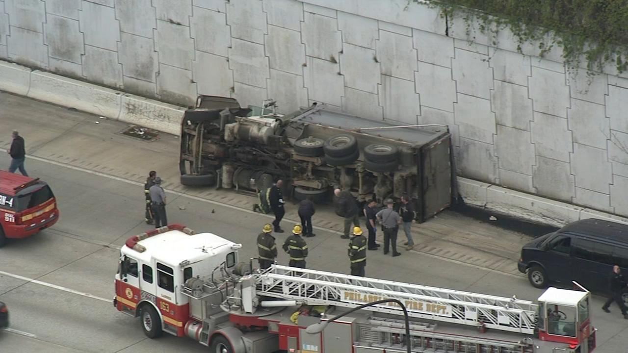 Overturned dump truck causes delays on I-95