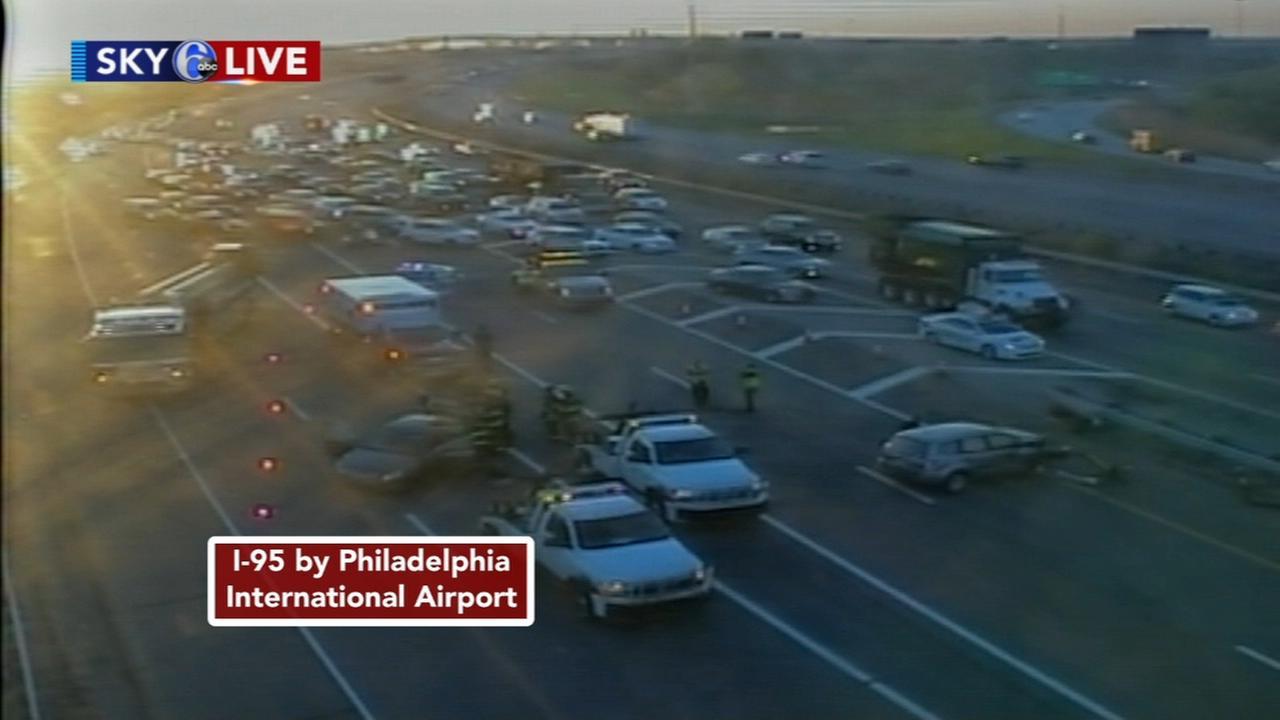 Crash blocks lanes on I-95 near airport