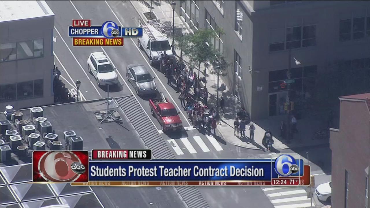 VIDEO: Students protest teacher contract decision