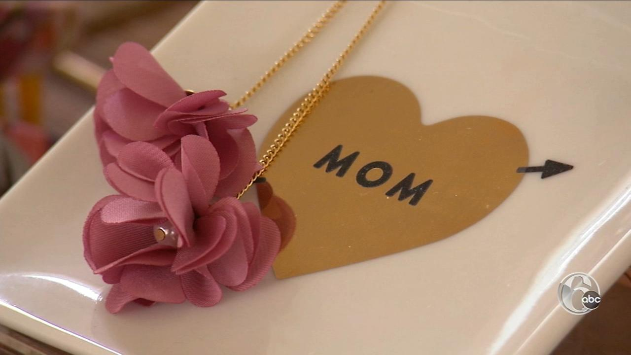 FYI Philly: Gift for Mom