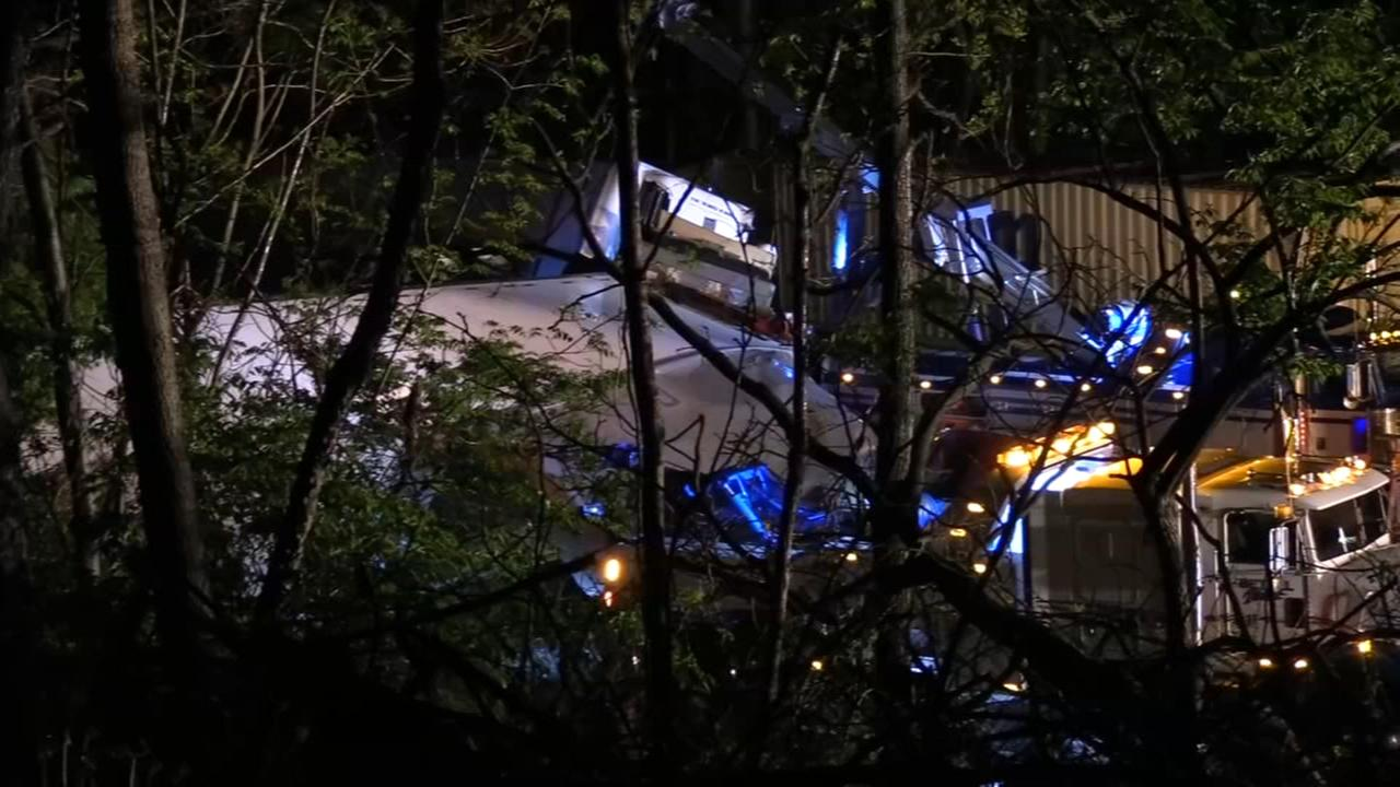 Tractor-trailer crash shuts down WB I-78