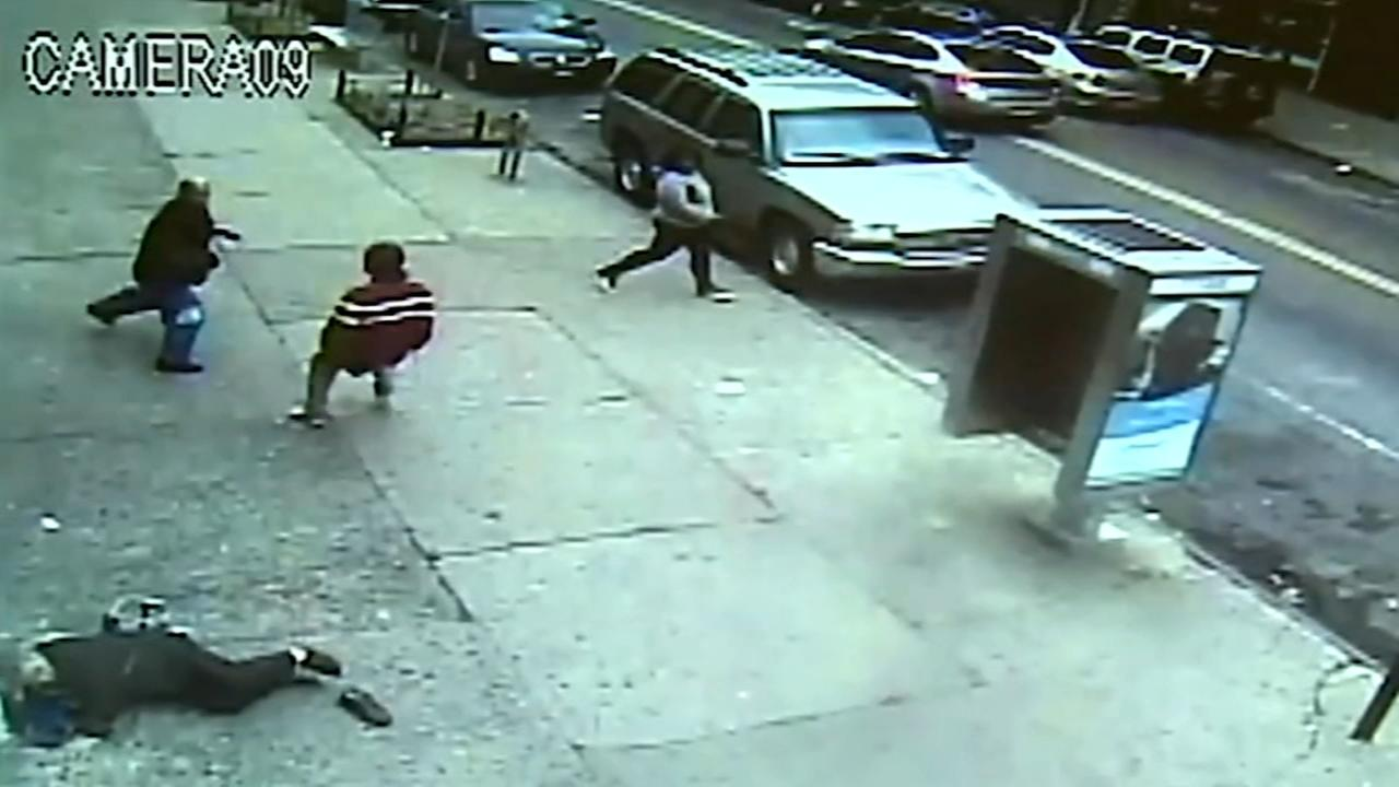 Good Samaritan tackles suspect after elderly women assaulted