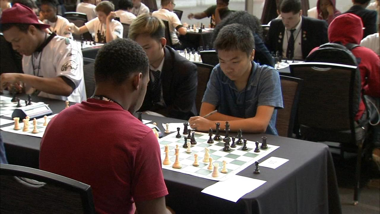 The Philadelphia Eagles tried their hand at chess with local students.