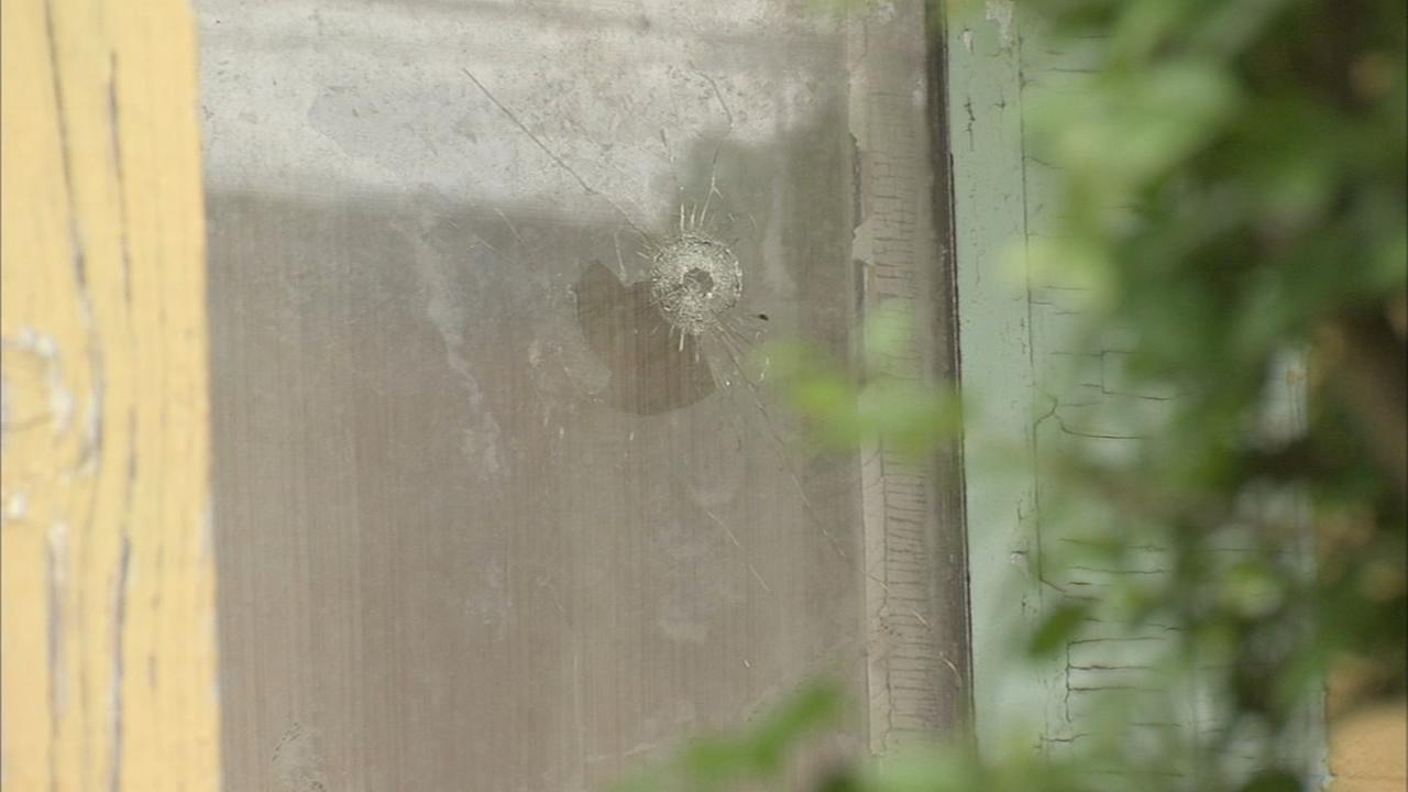 Man shot answering knock at door in Mantua