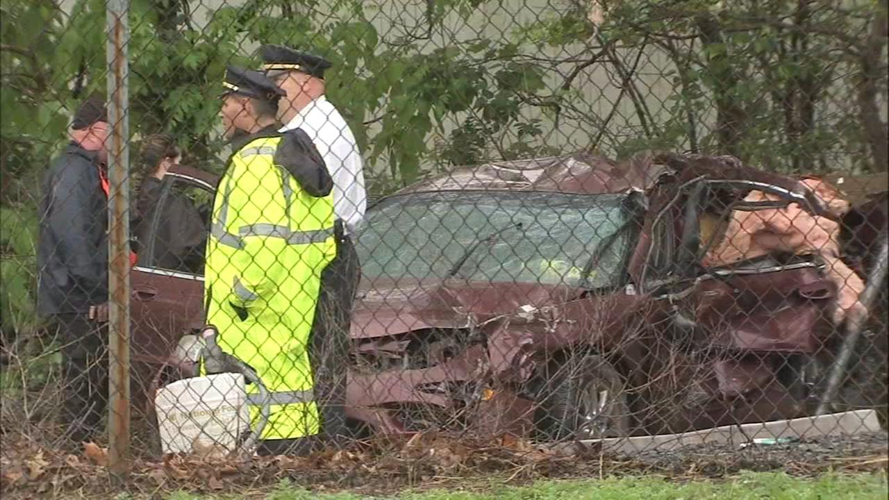 1 dead after train hits car in Lindenwold, New Jersey