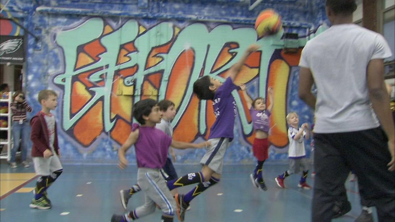 Shooting hoops fundraiser held for 2 boys fighting rare disease