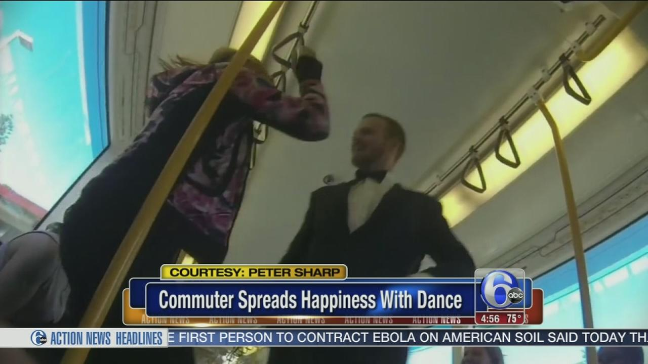 VIDEO: Sommuter spreads happiness with dance on train
