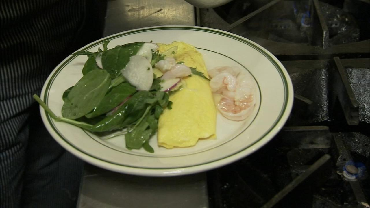 6 Minute Meal and Deal: Hungry Pigeons French omelet