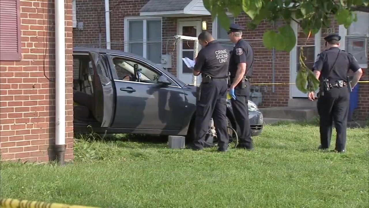 Woman shot in chest while driving car in Wilmington