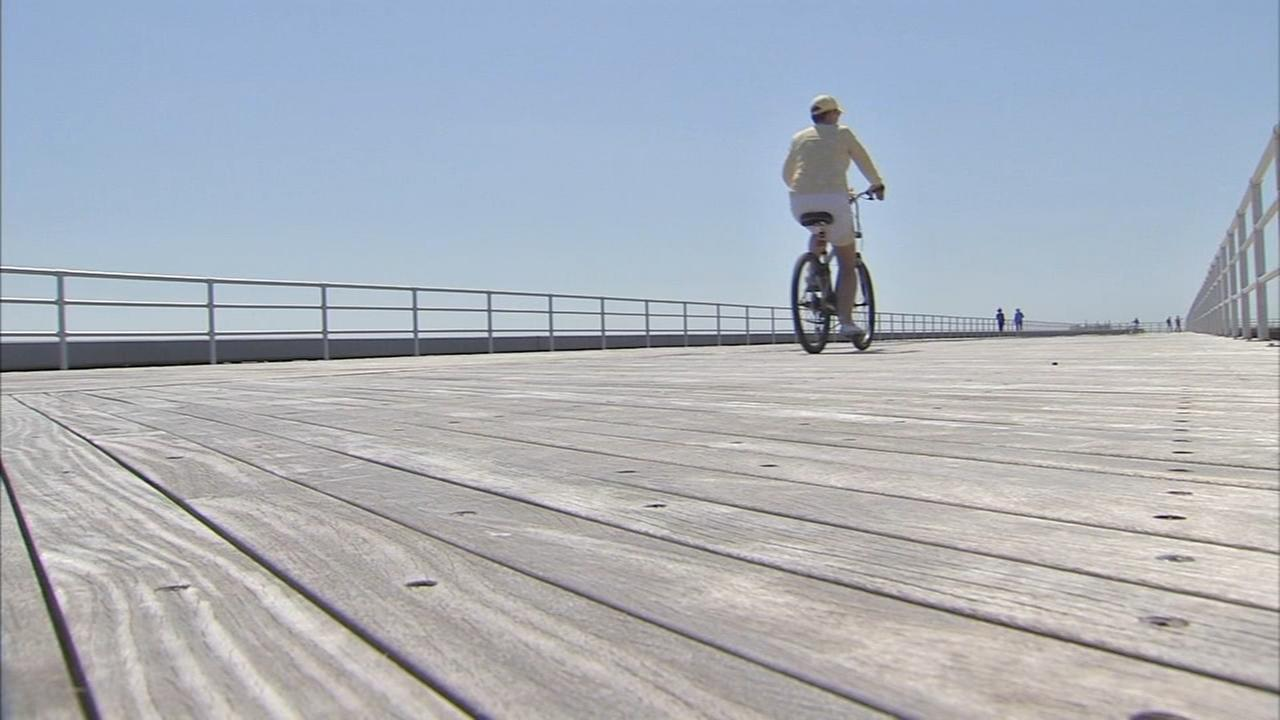 Atlantic City unveils new section of boardwalk