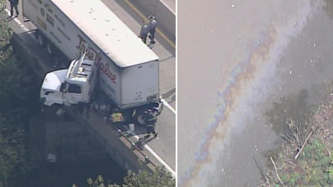 Truck crash and fuel spill on Pa. Turnpike