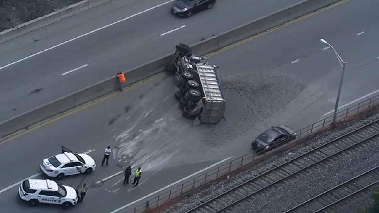 Dump truck overturns on EB Schuylkill Expressway in South Philadelphia