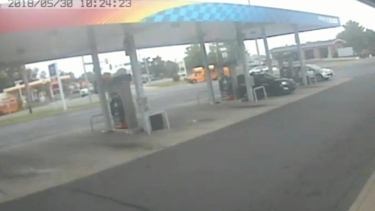 Attempted car theft at Levittown gas station