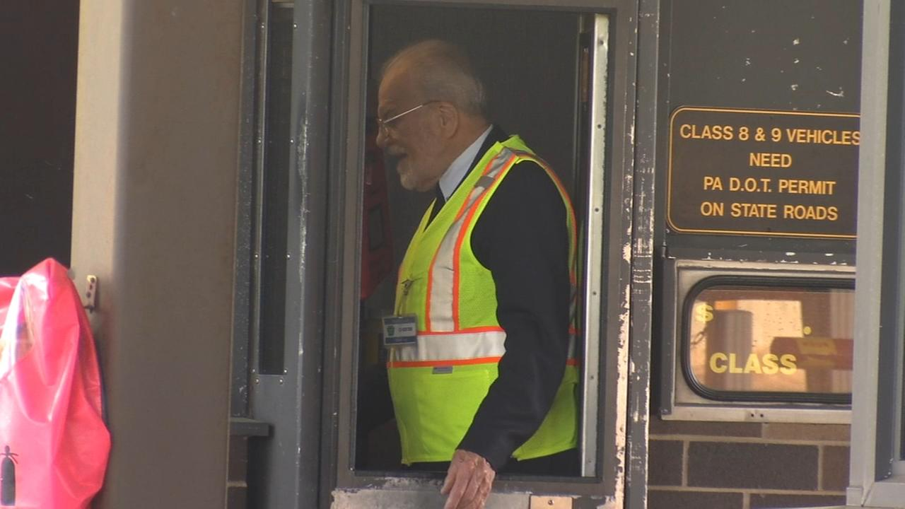 Toll booth operator retiers after more than 6 decades on the job