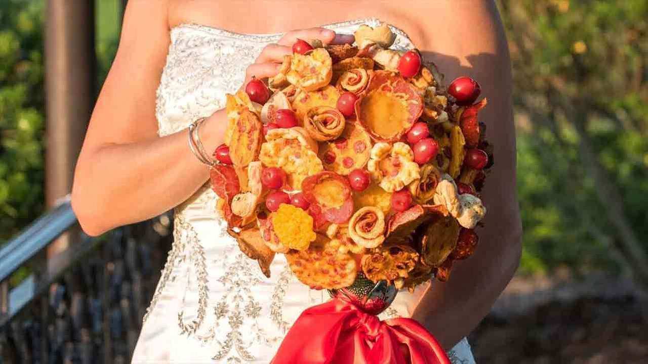 NJ chain creates pizza wedding bouquets