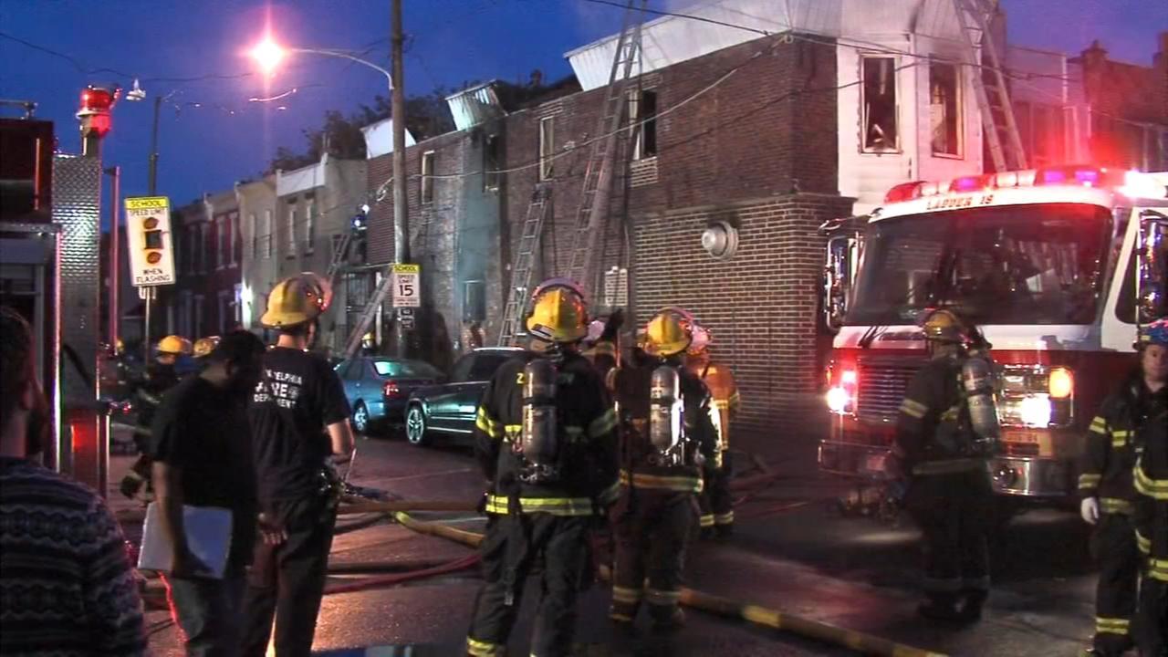 Woman, firefighter hurt in South Philadelphia fire